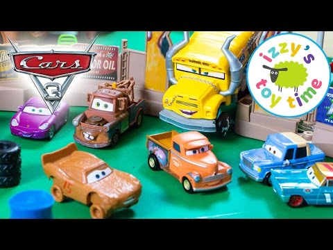 Cars 3 Smash and Crash Derby Playset with Lightning McQueen! Disney Pixar Fun Toy Cars for Kids