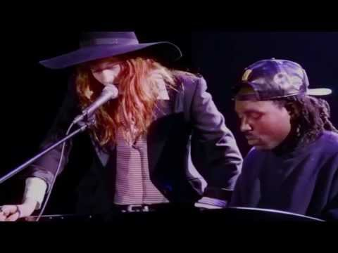 Watch: Florence Welch Covers Icona Pop
