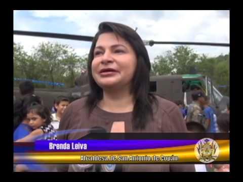 Con Salto de Paracaidismo FFAA Engalana Feria Patronal de San Antonio de Copán