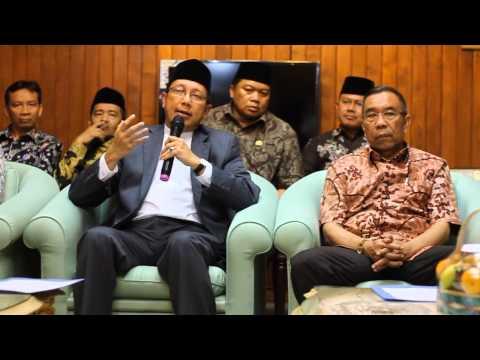 Press Conference Kedatangan Amirul Hajj Bandara Soekarno Hatta 10 Oktober 2014