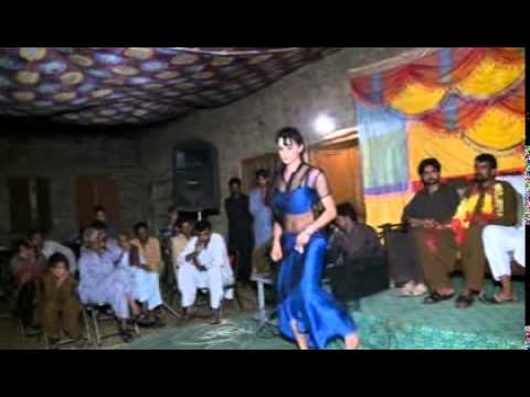 hasan sardar shadi mujra chakwal pakistan part 4:  hasan sardar shadi mujra chakwal pakistan part 4