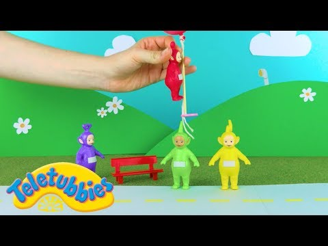 Teletubbies: Teletubbies And The Floating Balloons   Toy Play Video   Play games with Teletubbies (видео)