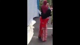 Video VIDEO Istri Labrak Suami yang Menikah Lagi di Tengah Pesta Pernikahan MP3, 3GP, MP4, WEBM, AVI, FLV September 2017