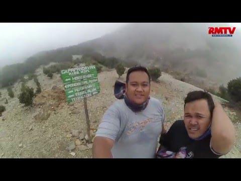 Berlibur Sambil Mendaki ke Puncak Papandayan