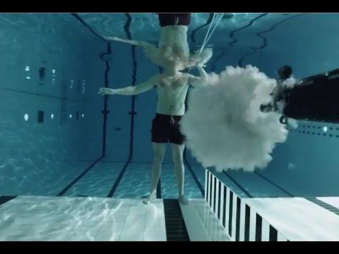 นักฟิสิกส์ท้าตายลงทุนทดลองยิงตัวเองใต้น้ำ