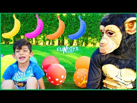 Jason Learns Colors Balloons with Funny Monkey and Bananas