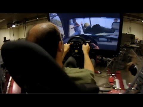 用要價10萬美金的動力模擬器來玩《俠盜獵車手5》(GTA 5)