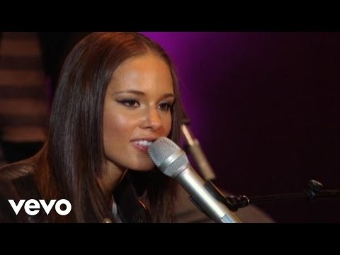 Alicia Keys - If I Ain't Got You (NYU Yahoo Pepsi Smash Performance)