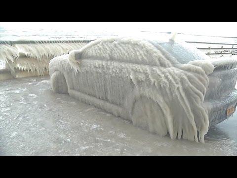 Непогода под Нью-Йорком: автомобили превращаются в ледяные скульптуры