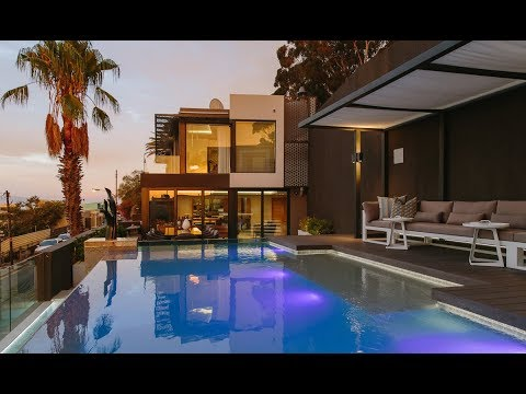 Top Billing invites you into a Cape Town designer home