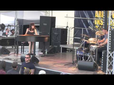 Playing Pantera - Hollow - at Summer Breeze Festival 2013 with Gabor Kovacs Video