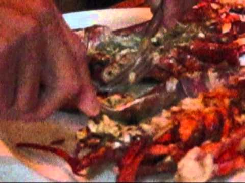 How they serve lobster at the CUT Wolfgang Puck restaurant in Beverly Hills.wmv
