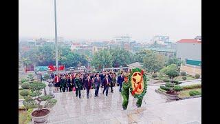 Viếng anh hùng liệt sỹ, dâng hương tại Đài tưởng niệm Bác Hồ nhân dịp Tết Nguyên đán Canh Tý
