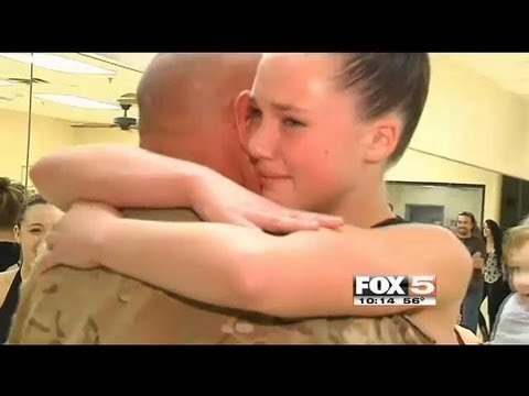army - http://soldierhomecoming.com/ Compilation of soldier Homecoming videos. Homecoming videos in my channel may appear in Good Morning America,World news ,ABC ,F...