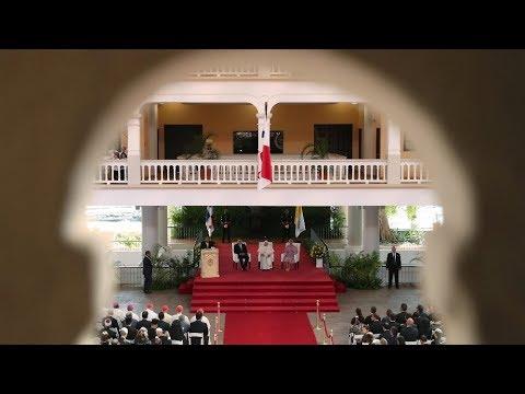 ĐTC gặp gỡ chính quyền và các đại diện xã hội Panama