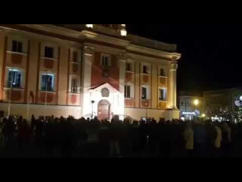Wideo1: Sound of Silence w wyk. Huberta Szczęsnego na leszczyńskim Rynku
