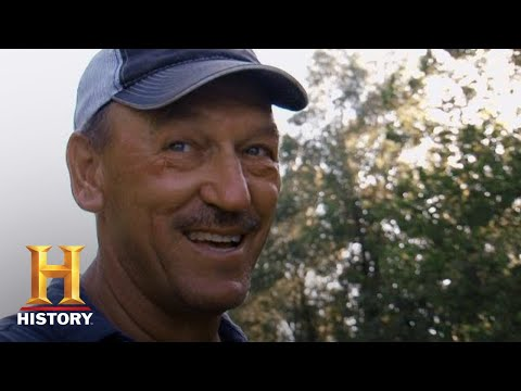 Swamp People: Troy vs. Chase in EPIC Landry Gator Hunt (Season 7) | History