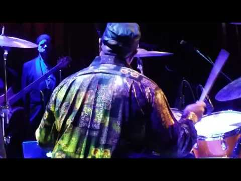 Victor wooten with Dennis chambers rocking out at the Ardmore theater 3 / 4 / 17  part 2
