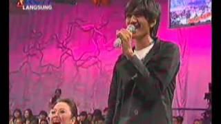Download Lagu yang terhebat duo with duta sheila on7 Mp3