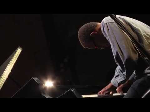 Matthew Shipp Trio – Root Of Things