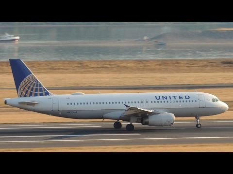 United Airlines Airbus A320-232 [N420UA] takeoff from PDX