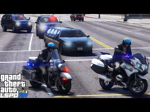 LSPDFR Police Mod 440   Two California Highway Patrol Motorcycle Escorting The Mayor Of Los Santos