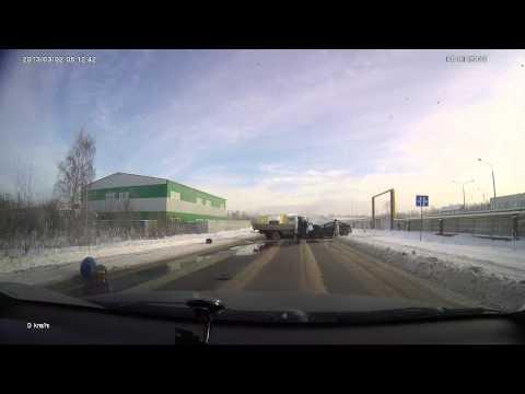 ДТП ул. Мостостроевская 23.01.2014 (видео)