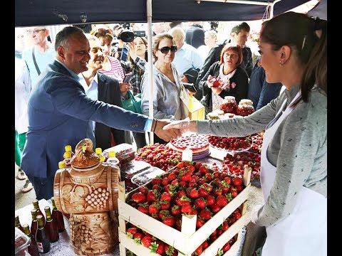 Președintele Igor Dodon a participat la Festivalul Căpșunelor și Mierii din satul Sadova