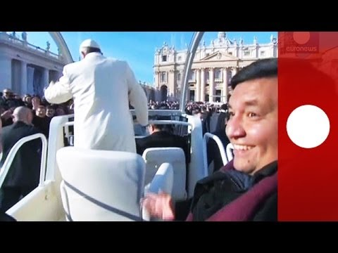 Get into my popemobile: Pope Francis gives priest friend a lift