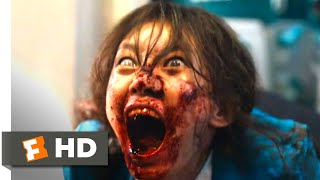 Nonton Train to Busan (2016) - The First Zombie Scene (1/9) | Movieclips Film Subtitle Indonesia Streaming Movie Download