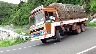 Video Heavy Load Lorry and Govt Bus Turning 10/40 Hairpin Bend Road Valparai Hills Pollachi MP3, 3GP, MP4, WEBM, AVI, FLV Oktober 2018