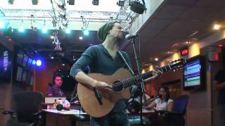 "Jason Mraz sings ""Lucky"" at LESI, NRJ, France and ...forgot his lyrics ...lol"