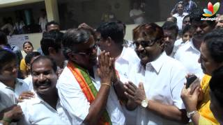Actor Vijaykanth and jeeva cast his vote | Election 2014