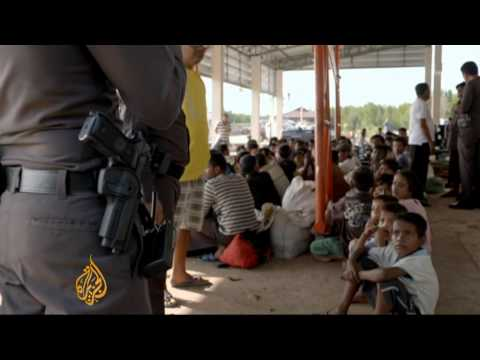 Thousands of Rohingya refugees arrive in Thailand