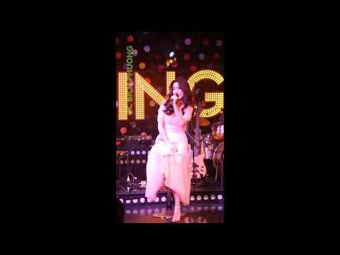 Bích Phương lần đầu live Bùa Yêu cực hay tại Swing| HÓNG HỚT SHOWBIZ - Thời lượng: 4:06.