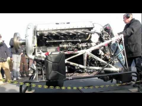 v12 - Starting upp a Rolls-Royce Merlin, 1400 hp, 27 liters. Here its a another Rover Meteor (Rolls-Royce) http://www.youtube.com/watch?v=ot-BWz9BpTI&feature=g-upl.