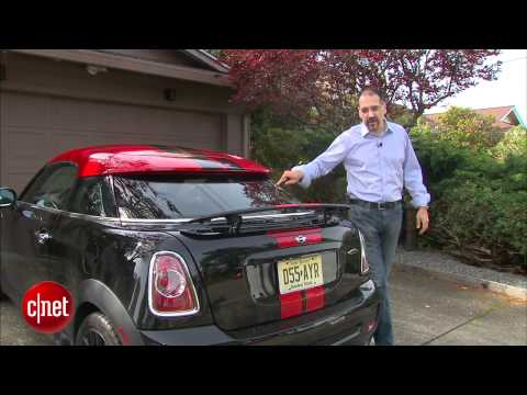 CNETTV - Short and stout, the 2012 Mini Cooper Coupe is a compact Mini with some big tech.