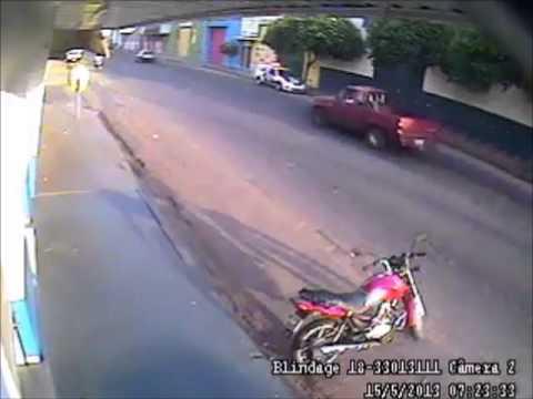 POLÍCIA SURPREENDE BANDIDOS DURANTE ASSALTO EM LOTÉRICA ARAÇATUBA-SP LELEK VERSION