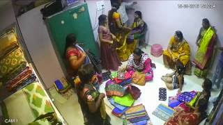 Nonton Lady Thief  Gang caught on camera||Tv2Telangana|| Tv2News 2016 Film Subtitle Indonesia Streaming Movie Download