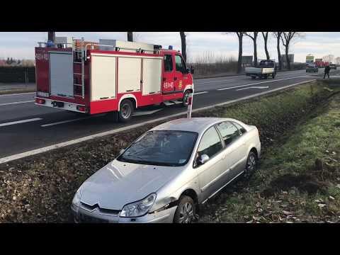Wideo: Citroen C5 w rowie na drodze Lubin - Osiek