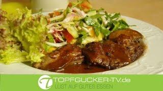 Knusprig gebratener Hähnchenleber an Salat der Saison und Vinaigrette