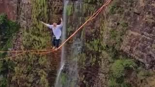 cuiabano-atravessa-cachoeira-mais-alta-de-mt-em-fita-de-highline