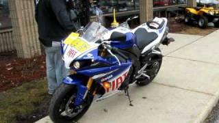 3. 2010 Yamaha YZF-R1 LE Rossi Edition, Yoshimura Slip-On's
