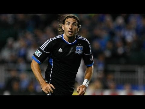 Video: GOAL: Alan Gordon heads the ball in | San Jose Earthquakes vs LA Galaxy