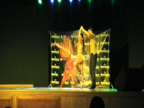 Kike y Fania CAMPEONES Final BACHATARTE 2011 (видео)