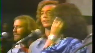 Download Lagu Bee Gees - To Love Somebody - LIVE Duet with Yvonne Elliman @ Soundstage Chicago 1975  15/19 Mp3