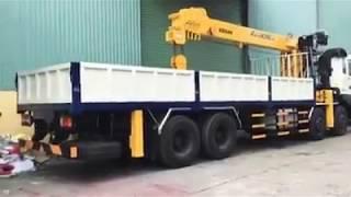 HYUNDAI 230 4 chân gắn cẩu 10 tấn