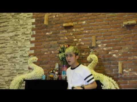[Live] Cơn mưa ngang qua - Sơn Tùng M-TP (Vicky coffee BH)