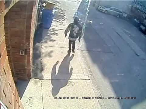 Help Toronto Police ID Man Wanted For Assault Queen/Spadina (2of2)