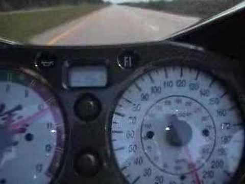 恐怖的直線加速230KM,加速的時候前輪不曾著地,太兇了!